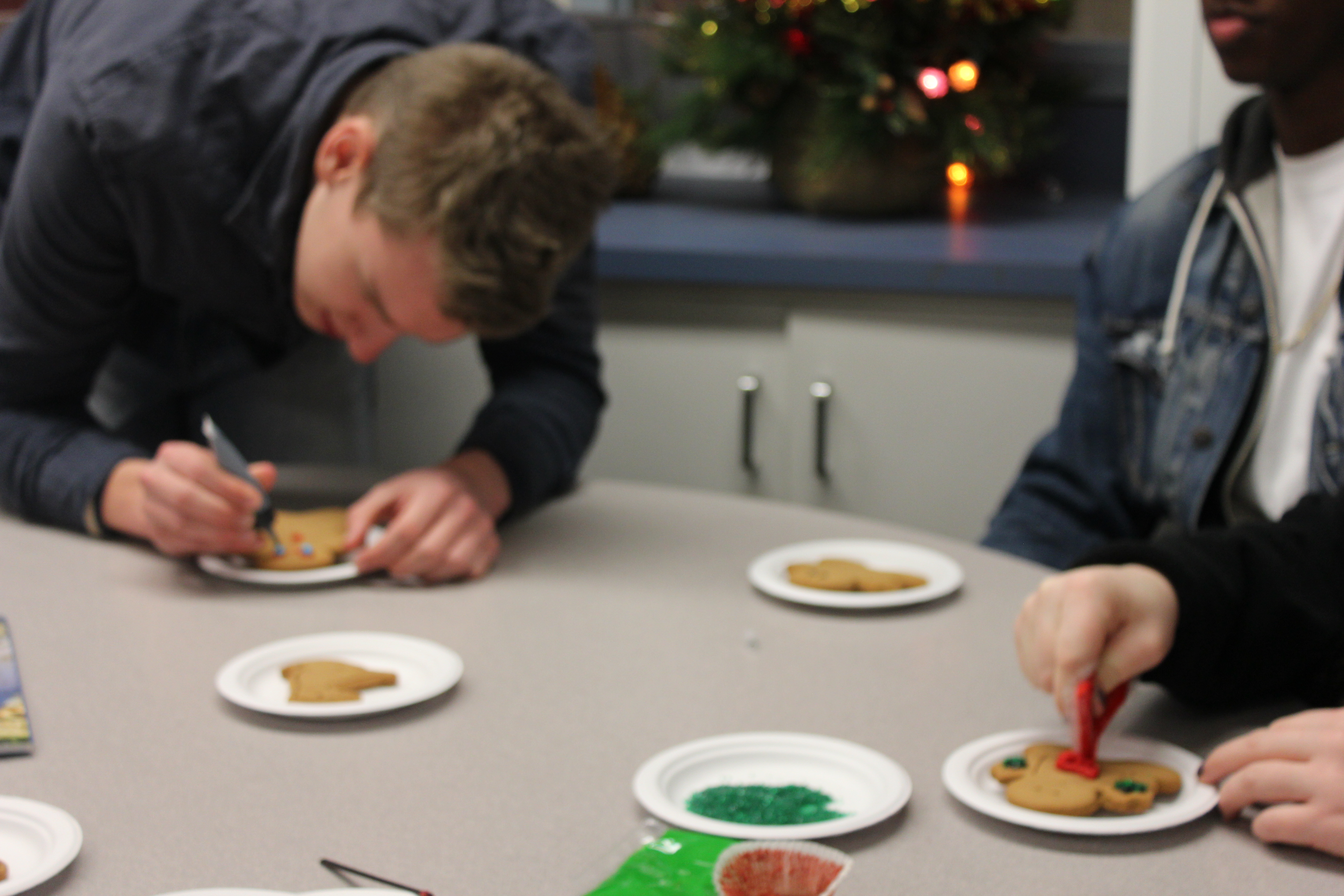 decorating the gingerbread people